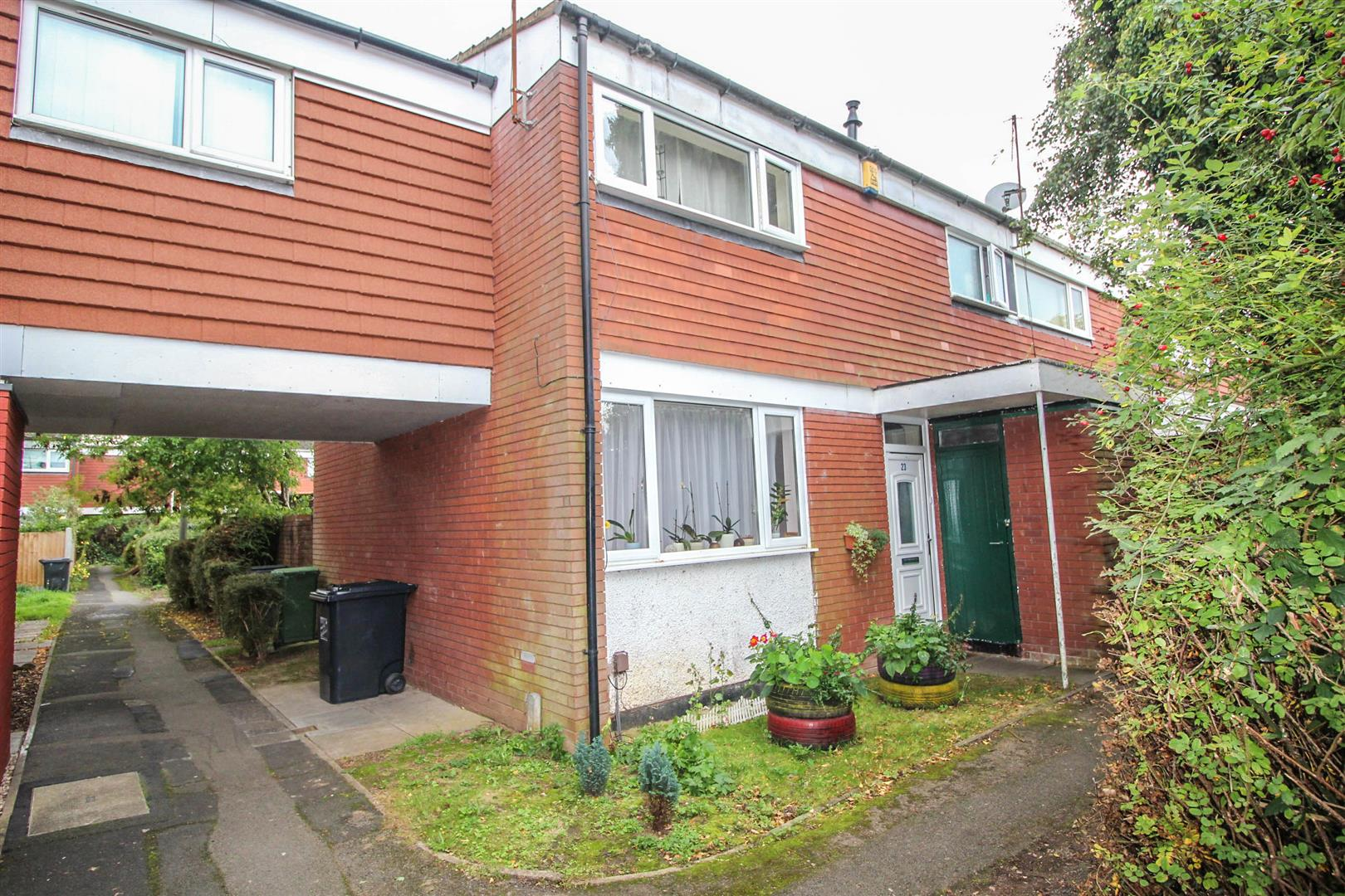 3 Bedrooms End Of Terrace House for sale in Acton Close, Redditch